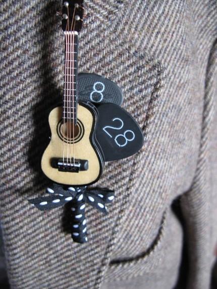 guitar boutonniere