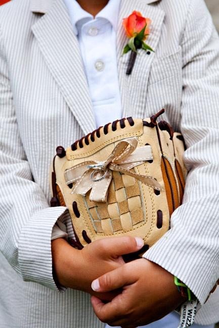ring bearer glove