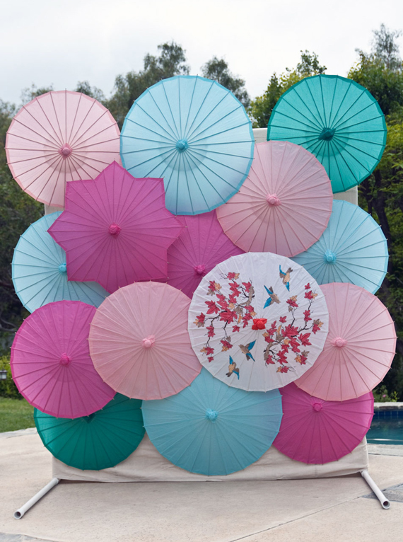 DIY-parasol-backdrop