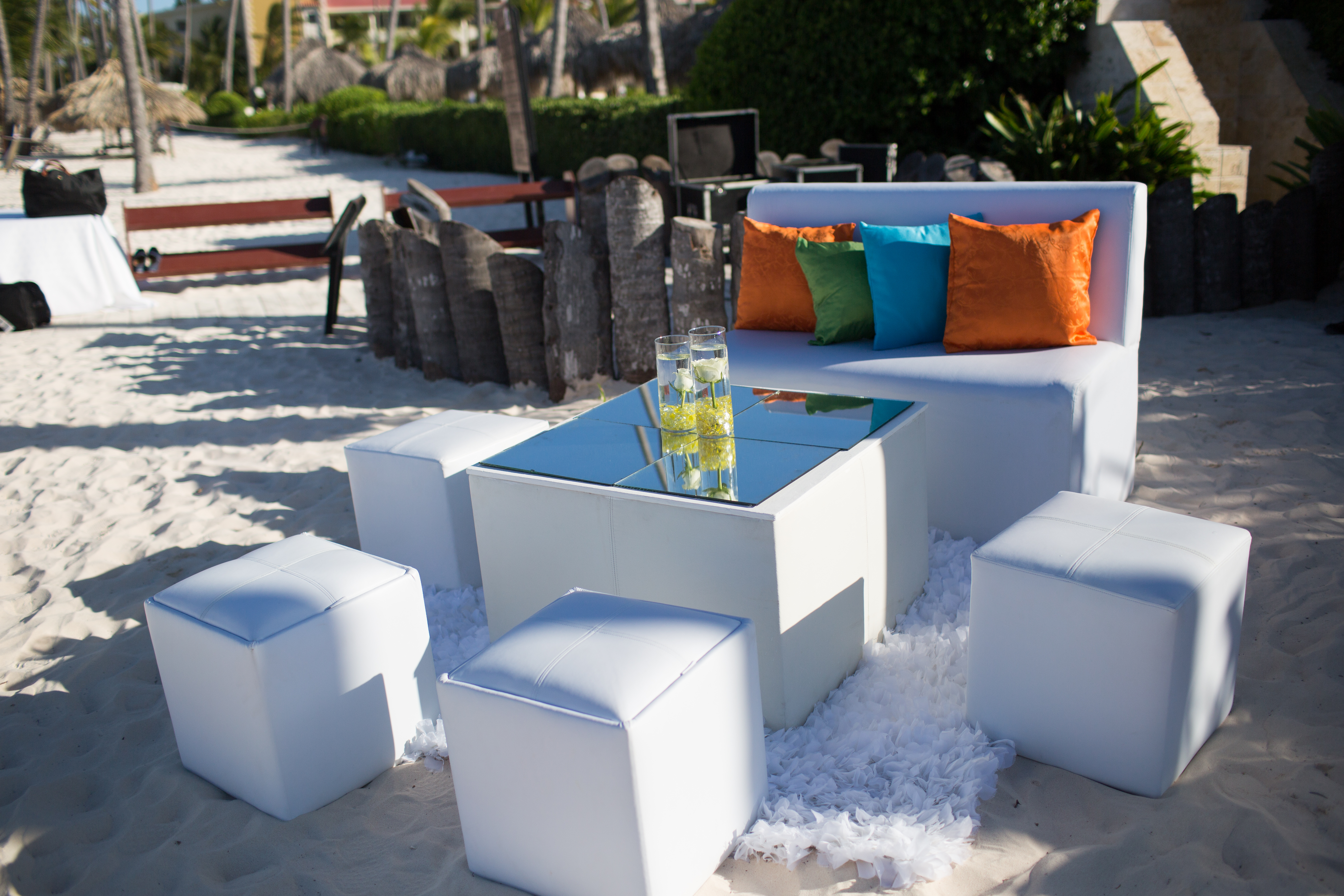 beach lounge furniture